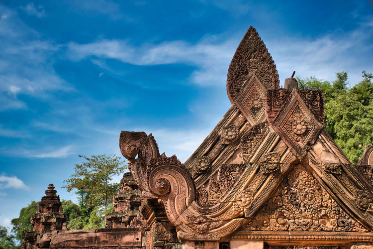 Banteay srei or banteay srey temple site in angkor wat, it is dedicated to the hindu god shiva