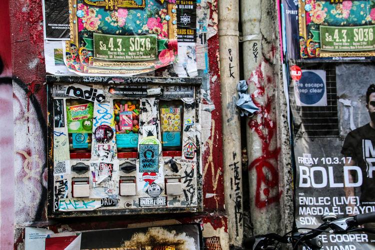 Automat Berlin Berlin Photography Chewing Gum Gum Gumball Gumball Machine Gumball Machines Iloveberlin Kaugummiautomat Kaugummiautomaten No People Pupparazzi Sticker Stickers Street Photography Streetphotography Text Travel Destinations Travellover Art Is Everywhere The Street Photographer - 2017 EyeEm Awards
