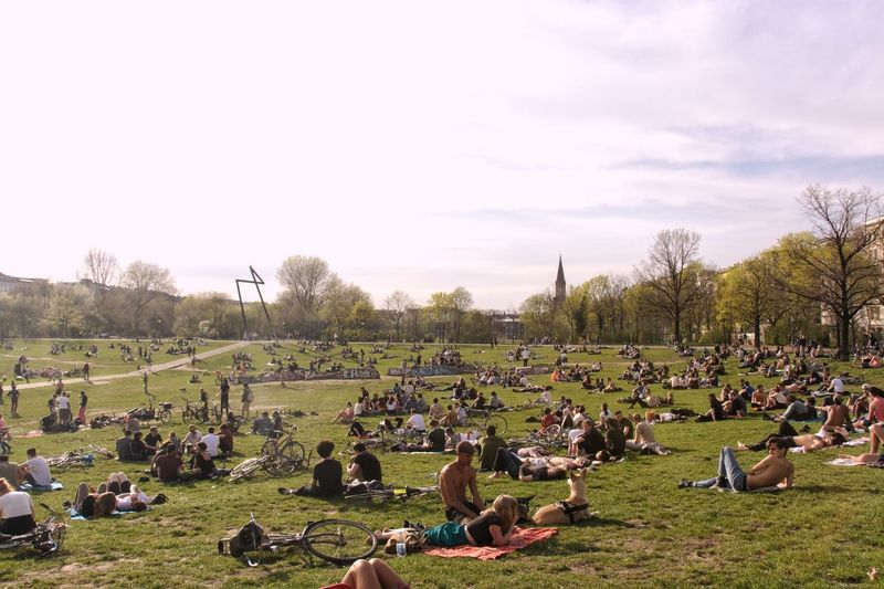 Park And Recreation #FREIHEITBERLIN Weekend Large Group Of People Crowd Group Of People Sky Plant Real People Tree Nature Grass Park - Man Made Space Leisure Activity Field Land Outdoors Lifestyles The Street Photographer - 2018 EyeEm Awards