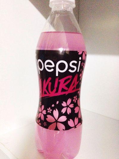Pepsi Sakura ペプシ 桜 サクラ 新しいフレーバーデタ━━゜(∀)゜━━!!サクラ味。買ったから後で飲もうっと。wktk