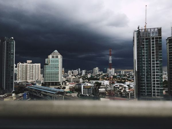 We interrupt our regular broadcast to bring you this special announcement: the apocalypse has come to Bangkok 👀 Cityscapes City Rainy Season Bad Weather Stormy Weather Storm Approaching Learn & Shoot: Layering Embrace Urban Life The Great Outdoors - 2017 EyeEm Awards