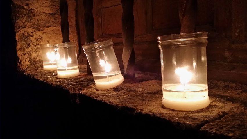 Dos veces al año las calles de Pedraza se llenan de velas creando un ambiente magico, de cuento y de otra época. Fantastic Exhibition Noche De Las Velas En Pedraza Taking Photos Quality Time