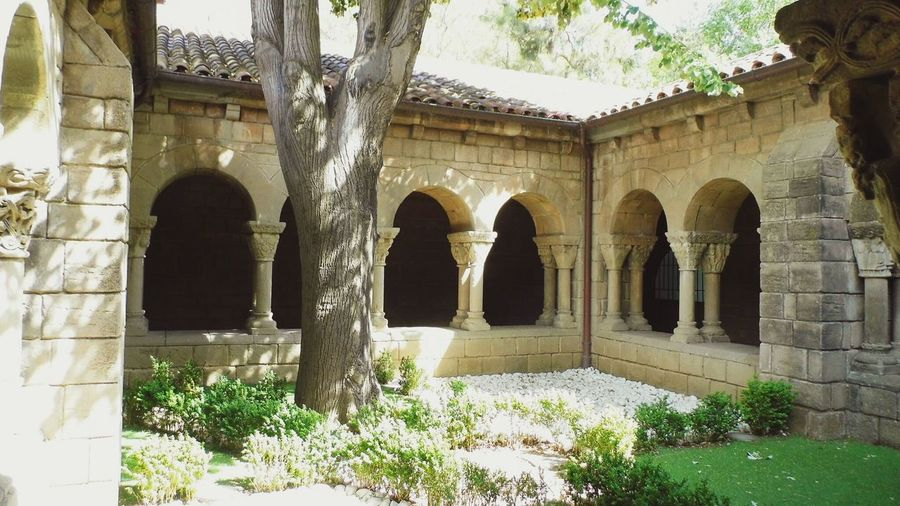 Hidden Places Hidden Gardens Monastery OpenEdit Spanish Monastery Garden Garden Photography Secret Garden No People Sunny Day The Calmness Within Time To Reflect