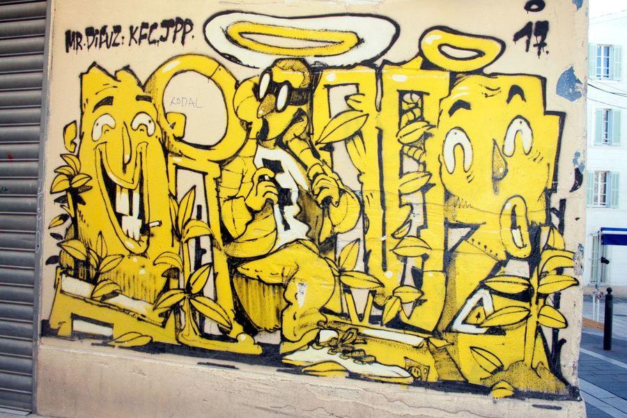 Art De La Rue Graph Graffiti Yellow No People Day Architecture Close-up Outdoors