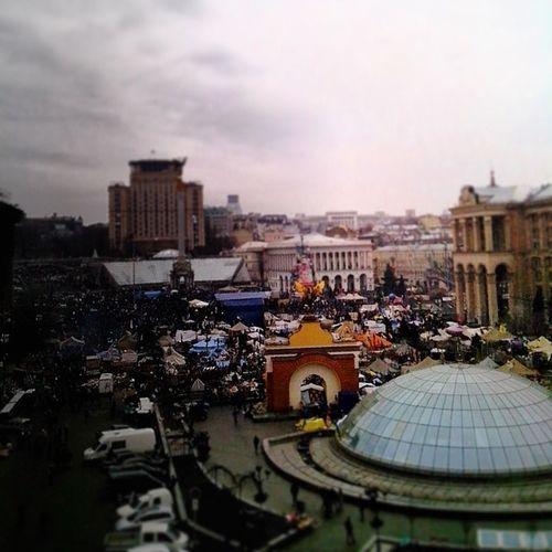 Вид из окна почти не меняется... Kiev Maidanlive Lifenews