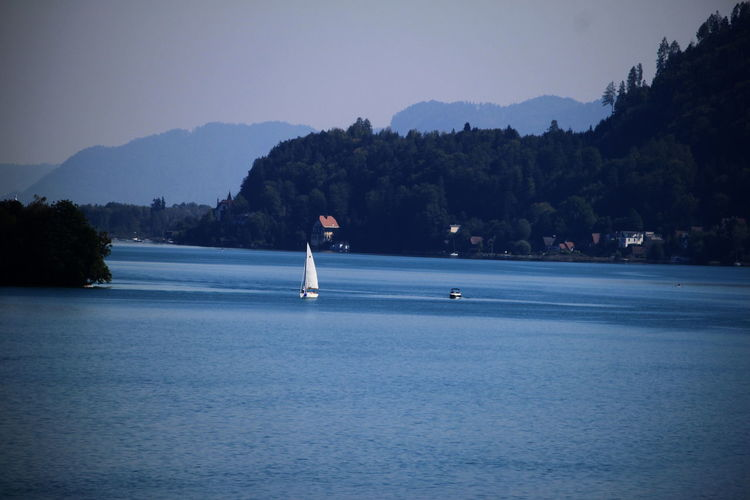 Lake Sailboat Lakeshore Blue Sailing Houses Landscape Day Maria Wörth Austria