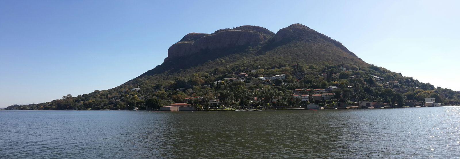 Hartebeespoort dam Water mountain Magalies
