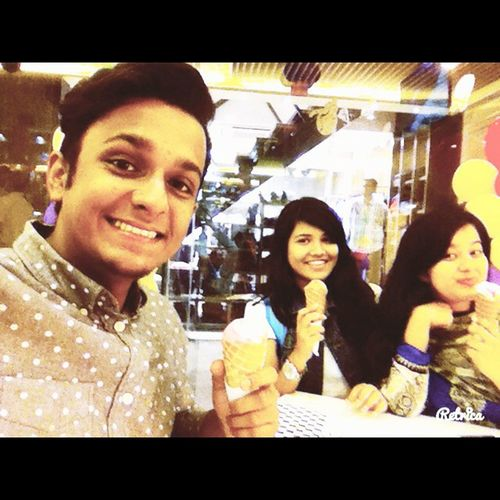 At last, I mean the first ever treat from Nila. Deserttime BandhubisTreat Finally AndItsGelato 😻🍦🍰🍨🍧🍷