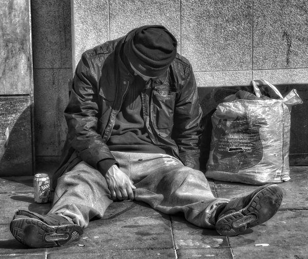 Another picture in my series people of Manchester , & Homeless of Manchester UK .This homeless man was ok had spoken to him People Of Manchester Homeless Of Manchester Uk People Watching Creative Light And Shadow EyeEm Hdr-Collection EyeEm Masterclass Manchester UK Documentary Photography Documentary Phototography Reportage Taking Photos Fotos Black And White Monochrome Street Photography Urban Photography Close Up Photography Eyeem Black And White Bnw_friday_eyeemchallenge Fujifilm See The World Through My Eyes Eyeem Black And White Photography EyeEm Documentary Photography People Photography Helpless Streetphotography_bw The Portraitist - 2016 EyeEm Awards My Favorite Photo Street Photography - EyeEm Awards 2016 Photojournalist Eyeem 2016