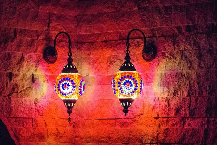 Illuminated Multi Colored Indoors  Lighting Equipment Ceiling Decoration Full Frame Electric Light Red No People Geometric Shape Night Indoors  Sconceporn Wall Decoration Wallporn Wall Textures Sconce Indoors  Aplik Decorative Lights Takeover Contrast TakeoverContrast