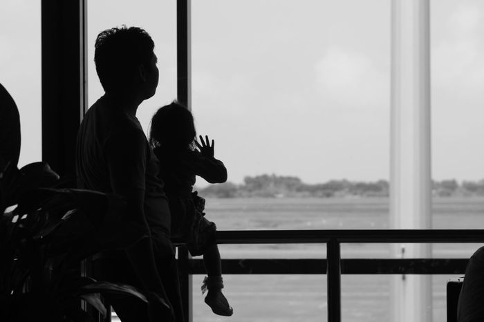 From My Point Of View Check This Out Original Photography Potrait_photography Taking Photos Black And White Photography Indoor Photography Darkness And Light Hello World Special Moment Beauty Place Landscape_Collection Niceday Happy Family Sad & Lonely Dady And Child Airport Lounge