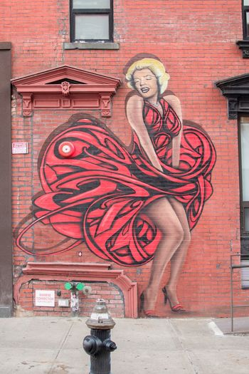 MARILYN MONROE ♡♥♡♥ Graffiti NYC Street Photography Architecture Graffiti Building Exterior City Built Structure Wall - Building Feature Art And Craft City Life Street Art Street Outdoors