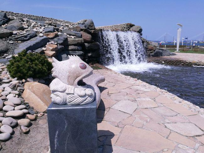 Oceanarium territory Outdoors Recreation  Local Landmark Marine Outdoor Photography EyeEm Selects Water Sky Fountain Sculpture Shore Sculpted Beach Sand Wave
