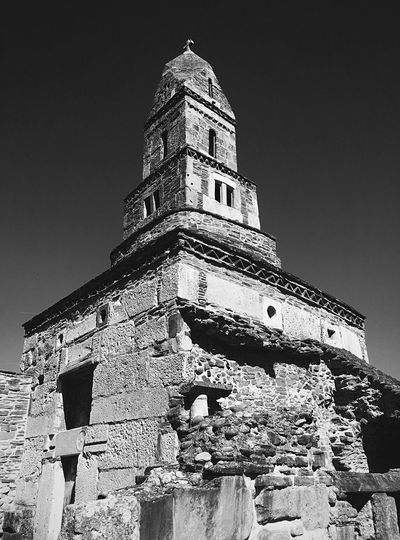 Architecture Travel Destinations Ancient Outdoors Old Ruin Low Angle View History Place Of Worship Spirituality Sky