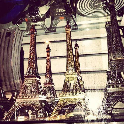 #paris kitsch Webstagram Instadaily Paris Tflers Iphoneonly Tagsforlikes Photooftheday Picolli Iphonesia Igersaachen Picoftheday Eiffeltuerme Follow TBT  Instamood Bestoftheday Igers Jj  Tweegram Instagood Instagramhub