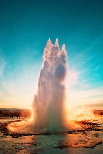 Geyser strokkur Iceland EyeEmNewHere EyeEm Nature Lover EyeEm Best Shots Travel Landscape The Week On EyeEm Iceland Strokkur Strokkur Geyser Strokkur Geysir Water Motion Nature Beauty In Nature Sky Outdoors Power In Nature Hot Spring Horizon Over Water Day Erupting No People Spraying Sunset Geyser Scenics Sea