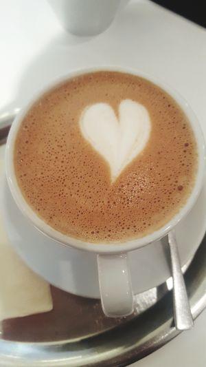 Coffee - Drink Coffee Cup Drink Cappuccino Mocha EyeEmbestshots EyeEm The Best Shots Eyeemphotography Eyeem Galleries EyeEmBestPics Eyemgallery EyeEm Gallery Kahve Keyfi Cafés Cafe Culture Coffee ☕