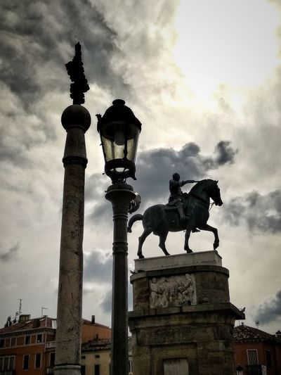 Padova, Aprile 2019 Hdr_Collection Sky And Clouds City Building Exterior Column Lamplight Statue Sculpture Silhouette Architecture Built Structure Monument