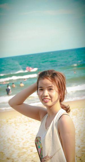 Dạo biển...! Walking On The Beach EyeEm Best Shots Portrait Of A Friend Muine Phanthiet