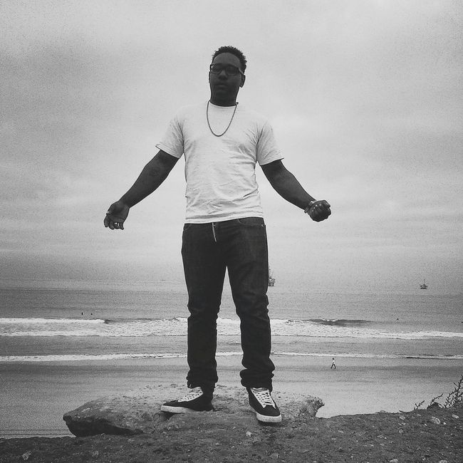 Early morning chasing that green Workflow Mornings Grindmode Blk N Wht Huntingtonbeach Check This Out Hello World Dogbeach OC SummerMornings