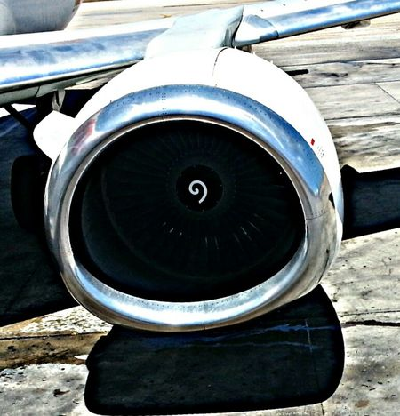 Fuerza... Engine Plane Airport Power