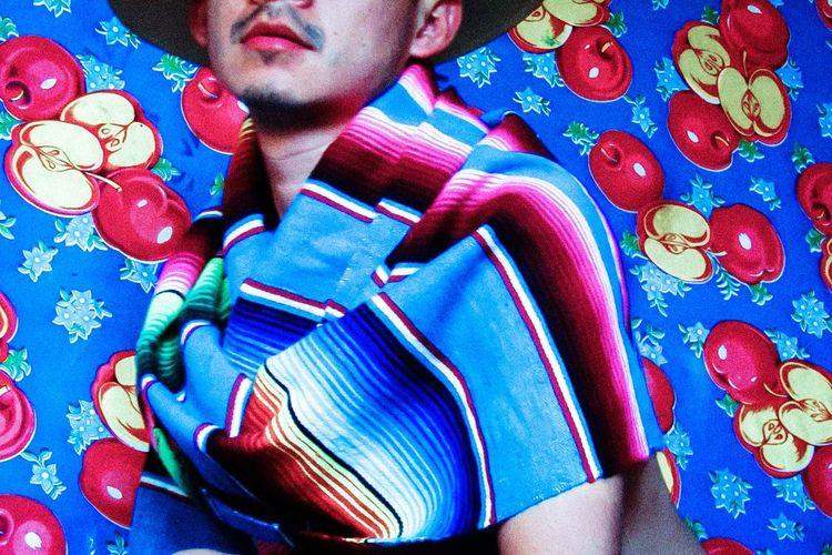Colores de México Fredymarin EyeEm Selects Photography Mx  Colores Y Texturas Colores Mexico De Mis Amores Folcklore Flower Multi Colored Men Blue Young Men Close-up Casual Clothing