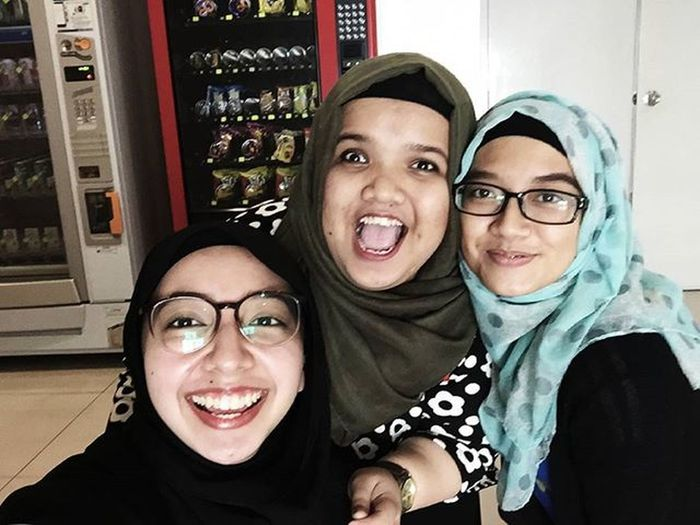 Stocked seeing them again after so long! Missing the hype and the energy that we had last time.Good ol days, kan babe? Hahah. Thanks again for accompany me the other day. Love you guys to bits. x Nomorelonelygirl Crazybunchofpeople Nadisshortterthanme Happyme