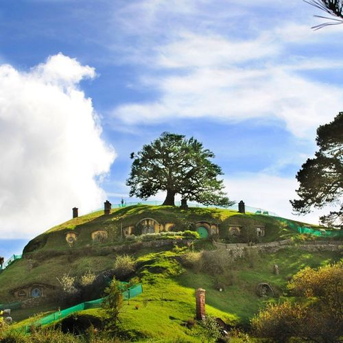 view from below. that's bag end. ;) BagEnd TheHobbit Onelasttime Hobbiton Matamata MiddleEarth