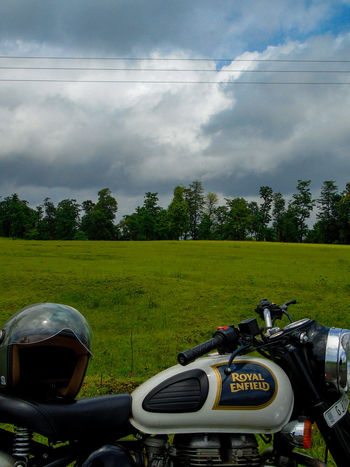 Cloud - Sky Tree No People Grass Sky Outdoors Day Nature Royalenfield Royal Enfield Royal Enfield Classic 350 Royal Enfield Motorcycles Royal Enfield Group Royal Enfield Bullet Bullet Travel Mountains Mix Yourself A Good Time EyeEmNewHere Lost In The Landscape