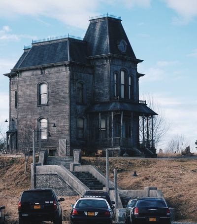 Bates Motel Sky Cloud - Sky Built Structure Day No People Building Exterior Outdoors Architecture Motel House Batesmotel Bates Motel Psycho Old Buildings Classic EyeEmNewHere The Architect - 2017 EyeEm Awards