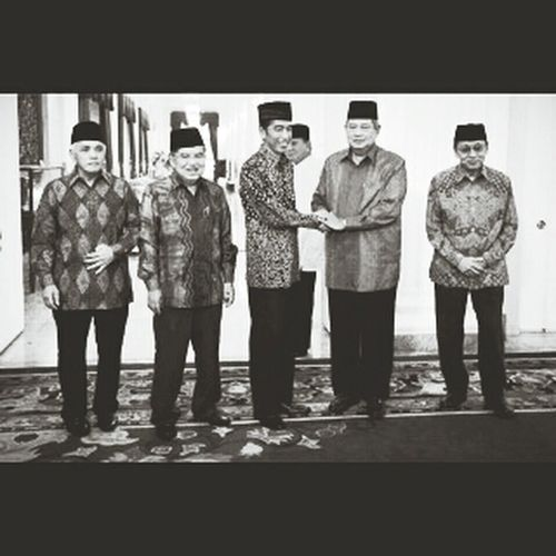 New history the small people hass been a presiden :) good job