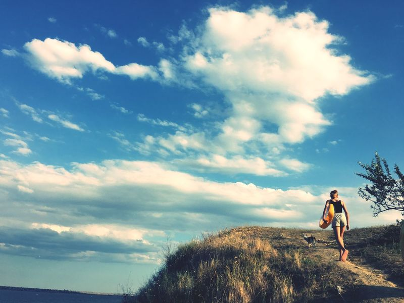 Cloud - Sky Sky One Person Real People Leisure Activity Lifestyles Beauty In Nature