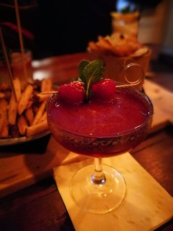 Cocktail Fruit Strawberry Drinking Glass Red Food And Drink Alcohol Berry Fruit Sweet Food Freshness Bar - Drink Establishment Indoors  Saturdaynight Lamponi  Chipsy Frenchfries No People TheSignPozzuoli