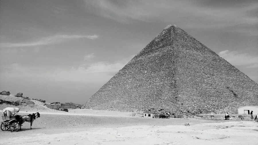 Taking Photos Pyramids Enjoying Life Travel Travel Photography Travel Destinations Tourist Attraction  Anciant Check This Out Beauty In Nature OLD NEW Eyeem Tourist EyeEm Travel Photography Eyeem Travel Traveler Egypt Keops Pyramids At Giza EyeEm Best Shots Eyeem Black And White Egypt Cairo For The Love Of Black And White Black & White