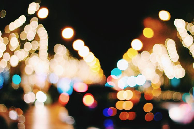 Christmas lights🌟 City Life Traffic Traffic Lights Ordinary To Extraordinary EyeEmNewHere Simple Beauty Simple Photography Simplicity Christmas Around The World Christmastime Christmas Ornament Colorful Colors Madrid Illuminated Night Defocused Lighting Equipment No People Christmas Celebration Christmas Lights Christmas Decoration Multi Colored Close-up Outdoors City