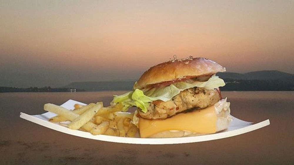 Burger on the beach!! Chickenburger Fries Skips Cafe Beach Sunset Superimpose Edit Note3