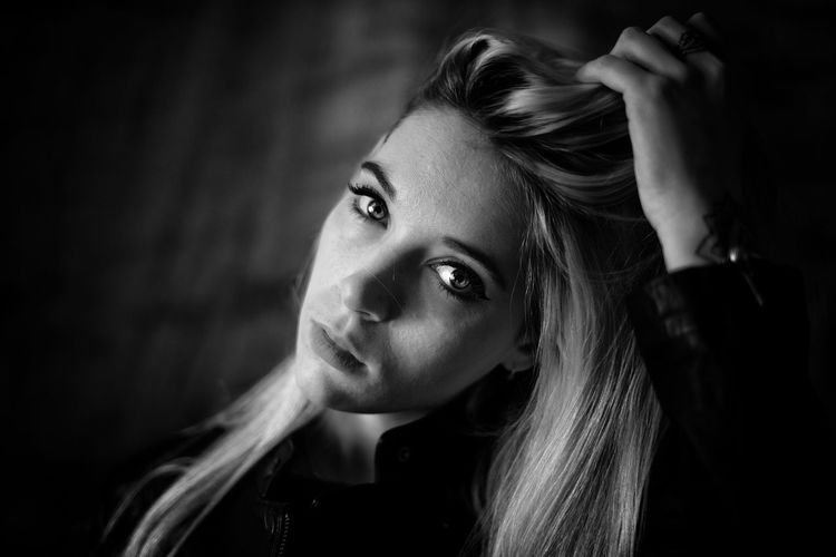 Hair Blond Hair Woman Portrait Woman Who Inspire You Blonde Blonde Girl Women Of EyeEm women around the world Portrait Beautiful Woman Beauty Young Women Looking At Camera Human Face Beautiful People Close-up Pensive Thinking Pretty Caucasian Attractive Head And Shoulders