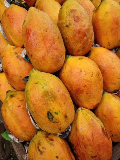 Abundance Backgrounds Close-up Day Food Food And Drink For Sale Freshness Fruit Full Frame Healthy Eating High Angle View Large Group Of Objects Mango Fruit Market Market Stall No People Retail  Ripe Still Life Wellbeing