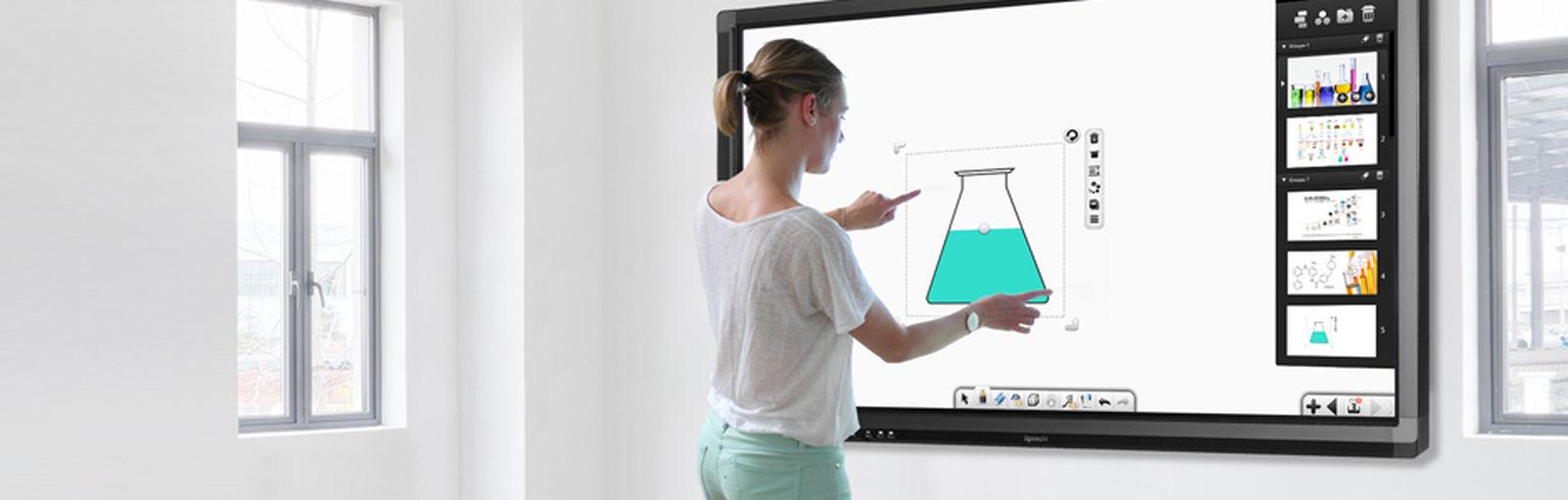 Un écran tactile qui s'adapte aux salles de cours mais aussi aux salles de réunion en entreprise. Les écrans intéractifs permettent une liberté de création bien plus avantageuse qu'avec un tableau blanc normal. Encore un produit ingénieux Made in France! Plus d'informations: https://www.speechi.net/fr/home/ecrans-interactifs/ecran-interactif-speechitouch-70/ Entreprises France Tableau écoleprimaire écrantactile