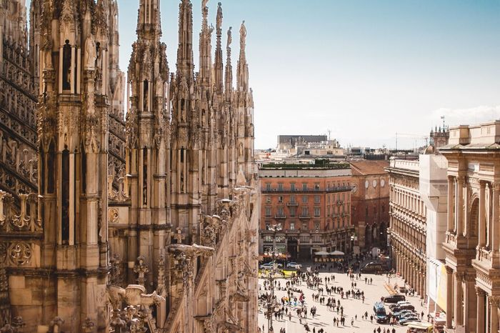 Travel Destinations Architecture Building Exterior Large Group Of People Built Structure Outdoors City Day People Italy Italy Photos Italy Holidays Milan Milano Milan,Italy Low Angle View Roof Architectural Column Architecture Sculpture Houses Italianstyle Square Squareinstapic People And Places
