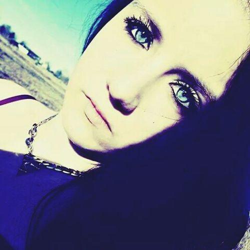 Blue Eyes , Wild Hearts Can't Be Broken