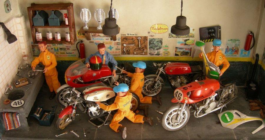 Bike Boxe Boxes Dioramas Monochrome Motorbike Tourism Toys Art