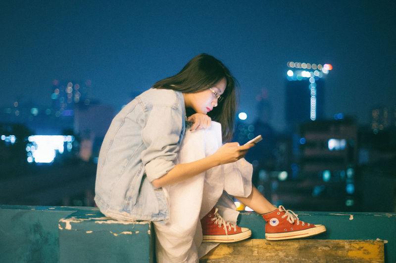 Checking!!! City Fashion Hà Nội Viet Nam Girl Night Phone Urban