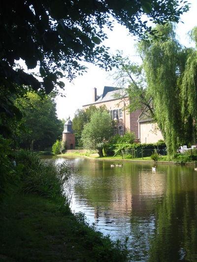 Up And Around The Castle Of Erenstein-Kerkrade Lovelynatureshots Eyeemnaturelover💕💕😊☺ Prachtig_limburg Architecture Water Reflections Castle Noedit Super_holland