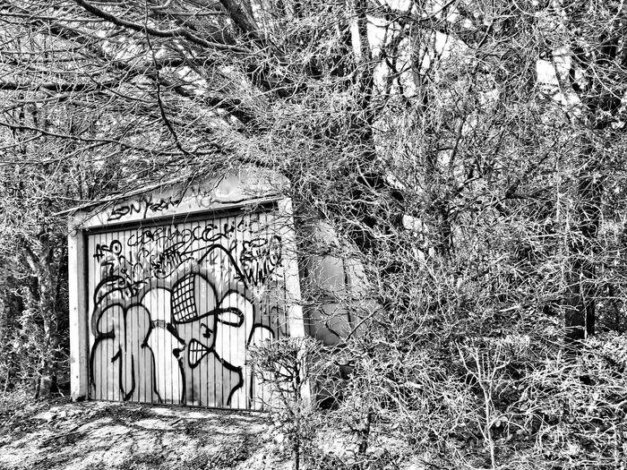 EyeEm EyeEm Best Shots Streetphotography Street Lifestyles France Eye4photography  Spraying Aerosol Can Creativity Spray Paint Street Art Art And Craft Graffiti Blackandwhite Blackandwhite Photography Bnw No People