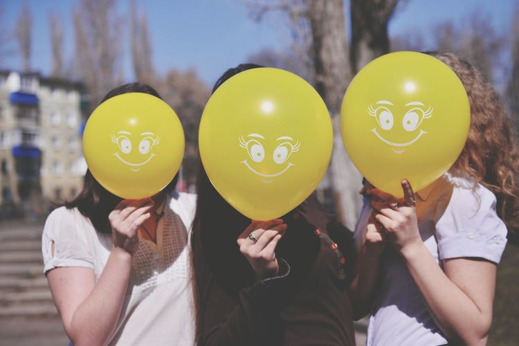 Balloon Helium Balloon Friendship Adults Only Adult People Togetherness Only Women Fun Celebration Young Adult Helium Birthday Love Young Women Happiness Two People Holding Yellow Party - Social Event