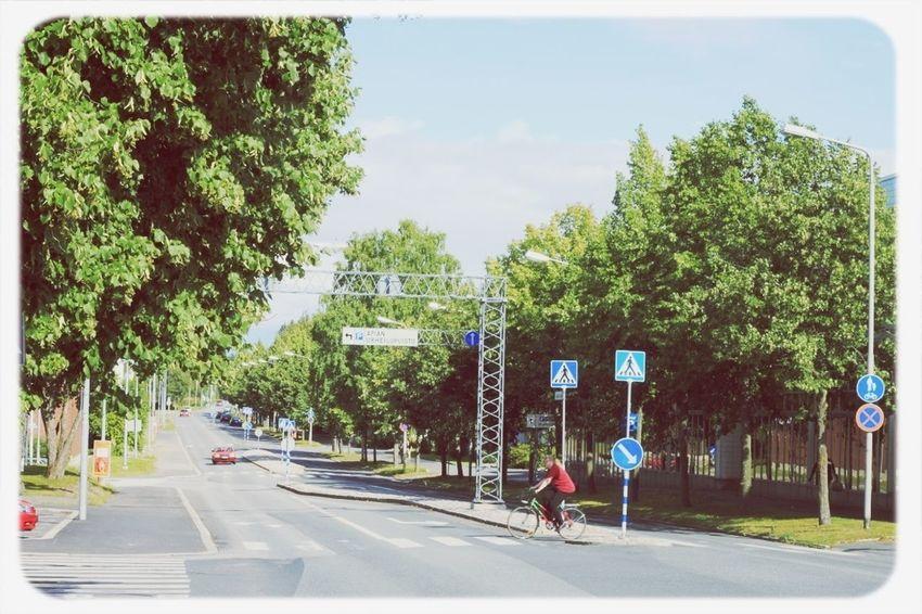 To Apiankatu. Valkeakoski Apiankatu Summer Street Green