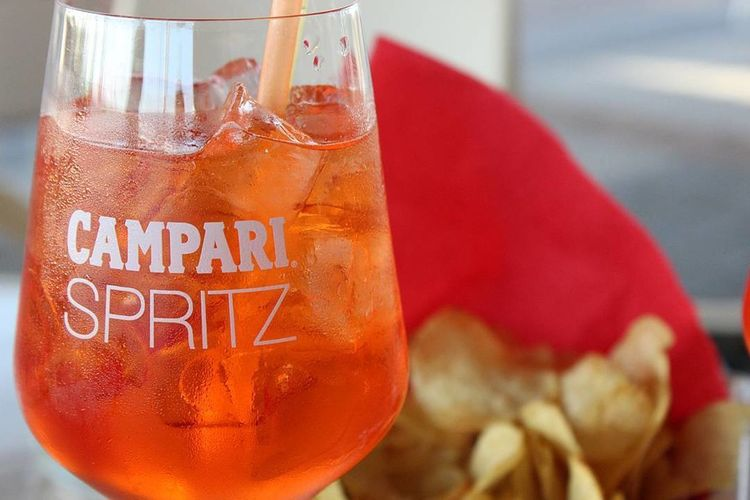 Drink Refreshment Drinking Glass Food And Drink Close-up Alcohol Ice Cube Day Freshness Outdoors Campari Spritz Aperol Spritz Aperol Aperitivo  Aperitif Aperitivo Time Drink Orange Chips Eat And Drink No People