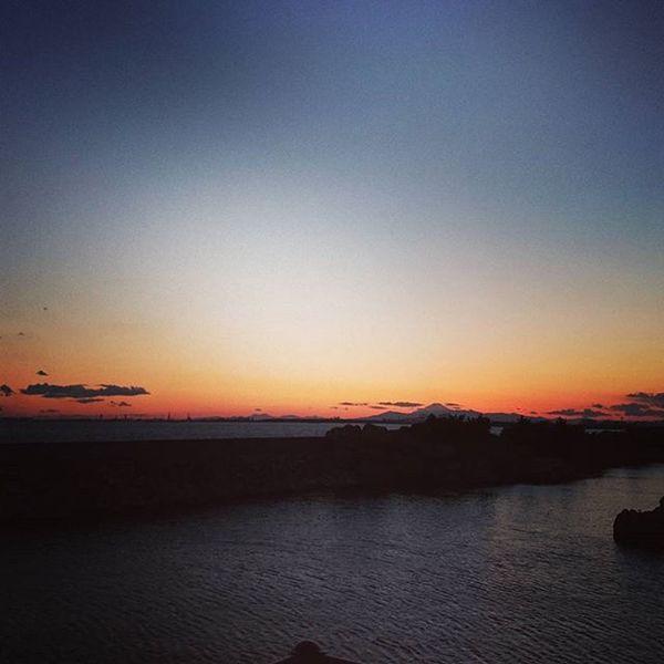 東京ディズニーシー 富士山 夕焼け空