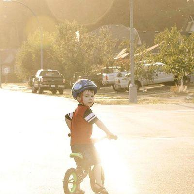 Biking Preschooler Eveningsun Faded Cumberlandbc Comoxvalley Runbike Street Lensflare Kids Kidsofinstagram